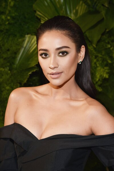 b84148859f4a Shay Mitchell Talks Instagram Rumors and Gossip Girl | InStyle.com