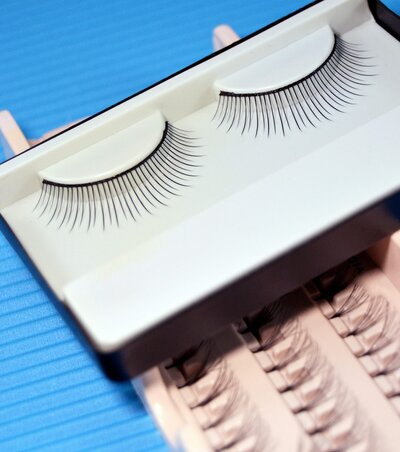 b48e24ceecb What You Need to Know About Lashify: the False Eyelash System ...