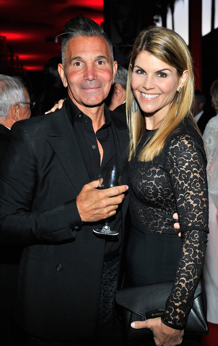 Lori Loughlin Mossimo Giannuli Motion to dismiss case