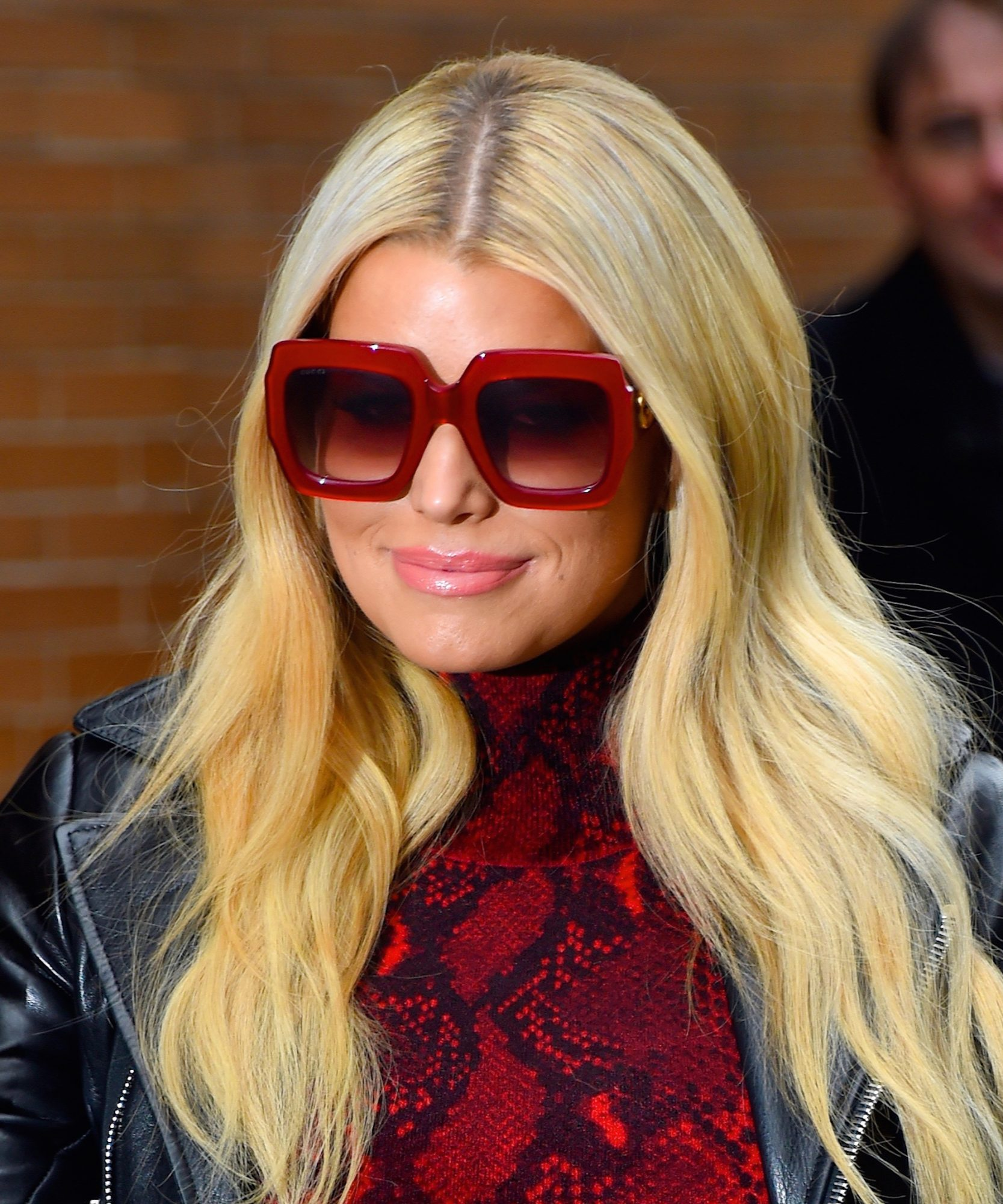Jessica Simpson Just Wore the Coziest Sustainable Sweater And We Need It Now