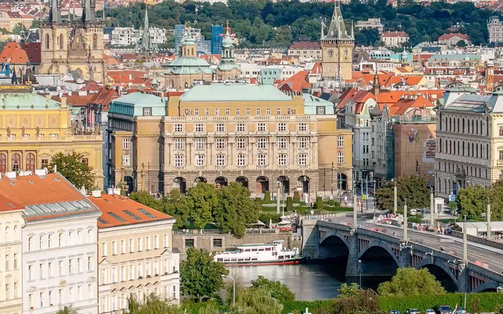 Wander Through the Streets of Prague With This Dreamy Hyperlapse Video