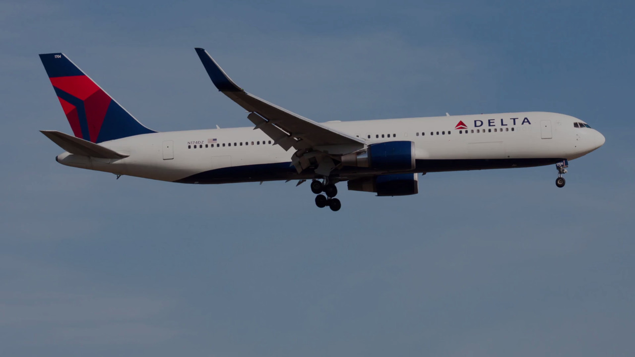 Delta Has Placed over 100 People on No-fly List for Refusing to Wear a Mask, CEO Says