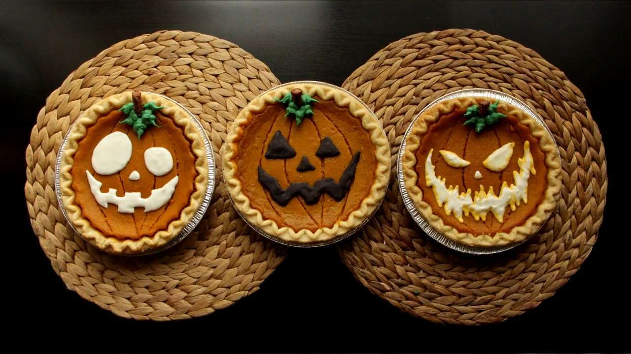 How to Decorate Store-Bought Pumpkin Pies for Halloween