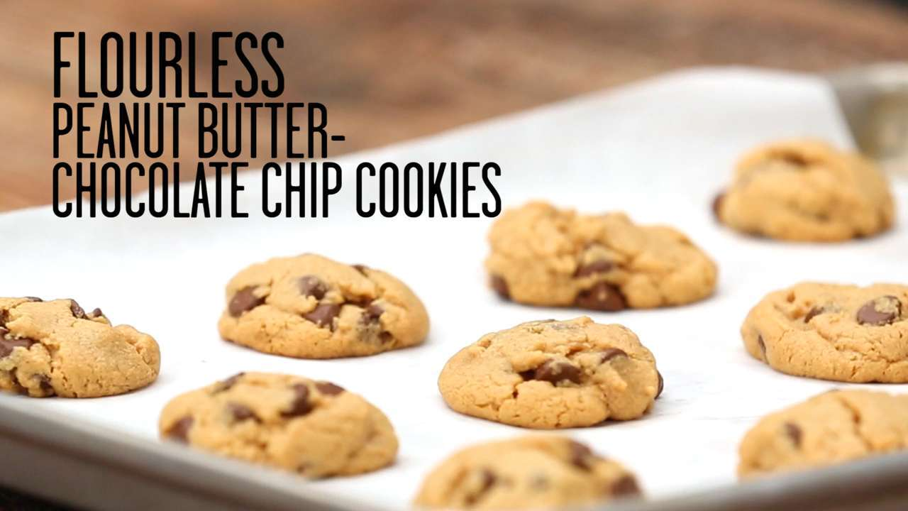 How to Make Flourless Peanut Butter-Chocolate Chip Cookies
