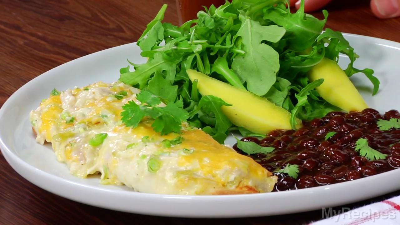 How to Make Cheesy Chicken Enchiladas