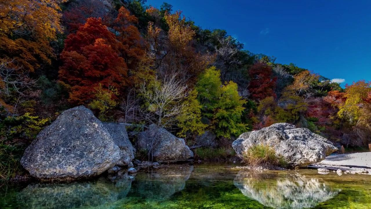 Head to These Southern Spots To See Gorgeous Fall Foliage