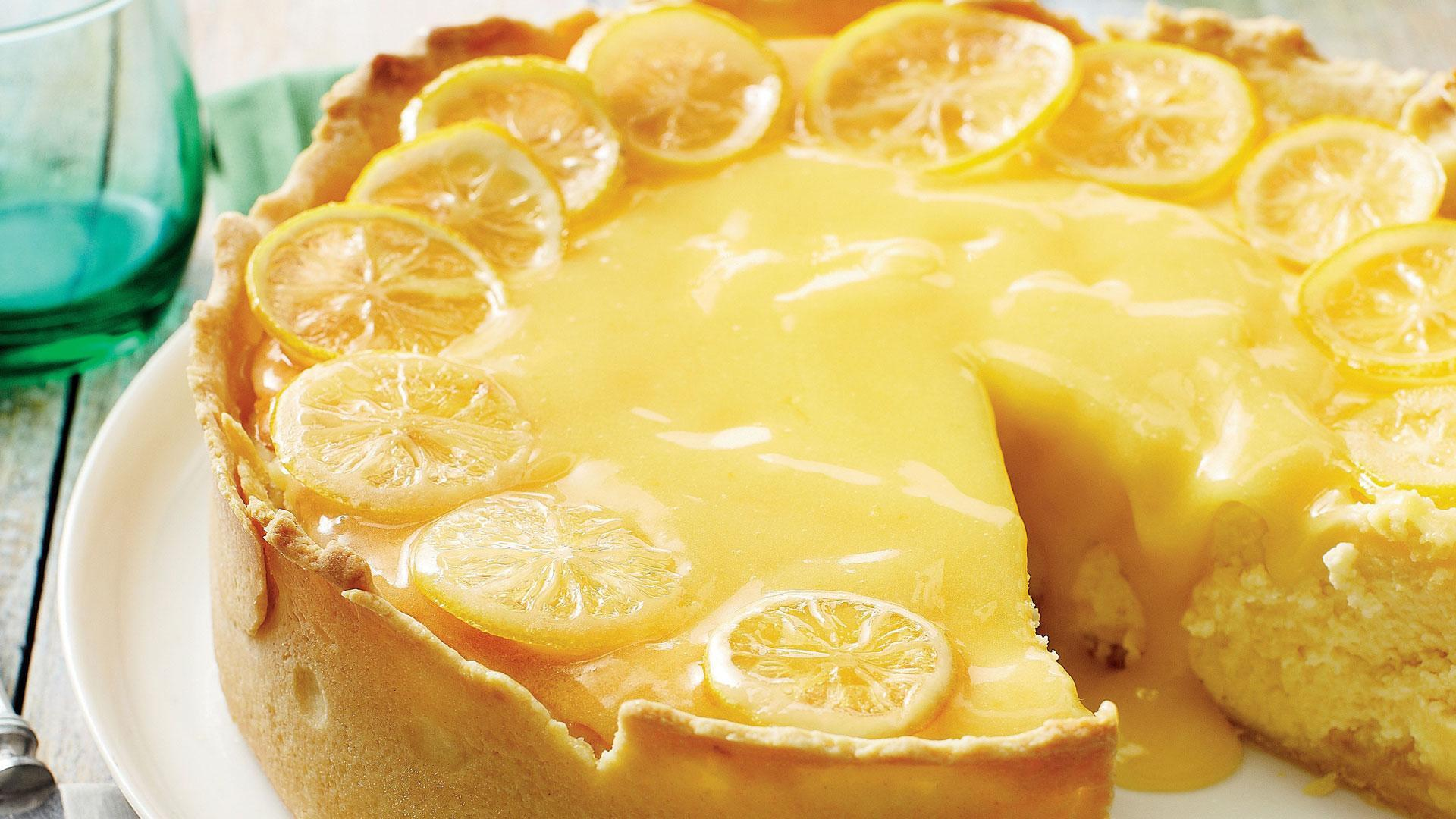 Guests Will Swoon Over This Lemon Bar Cheesecake