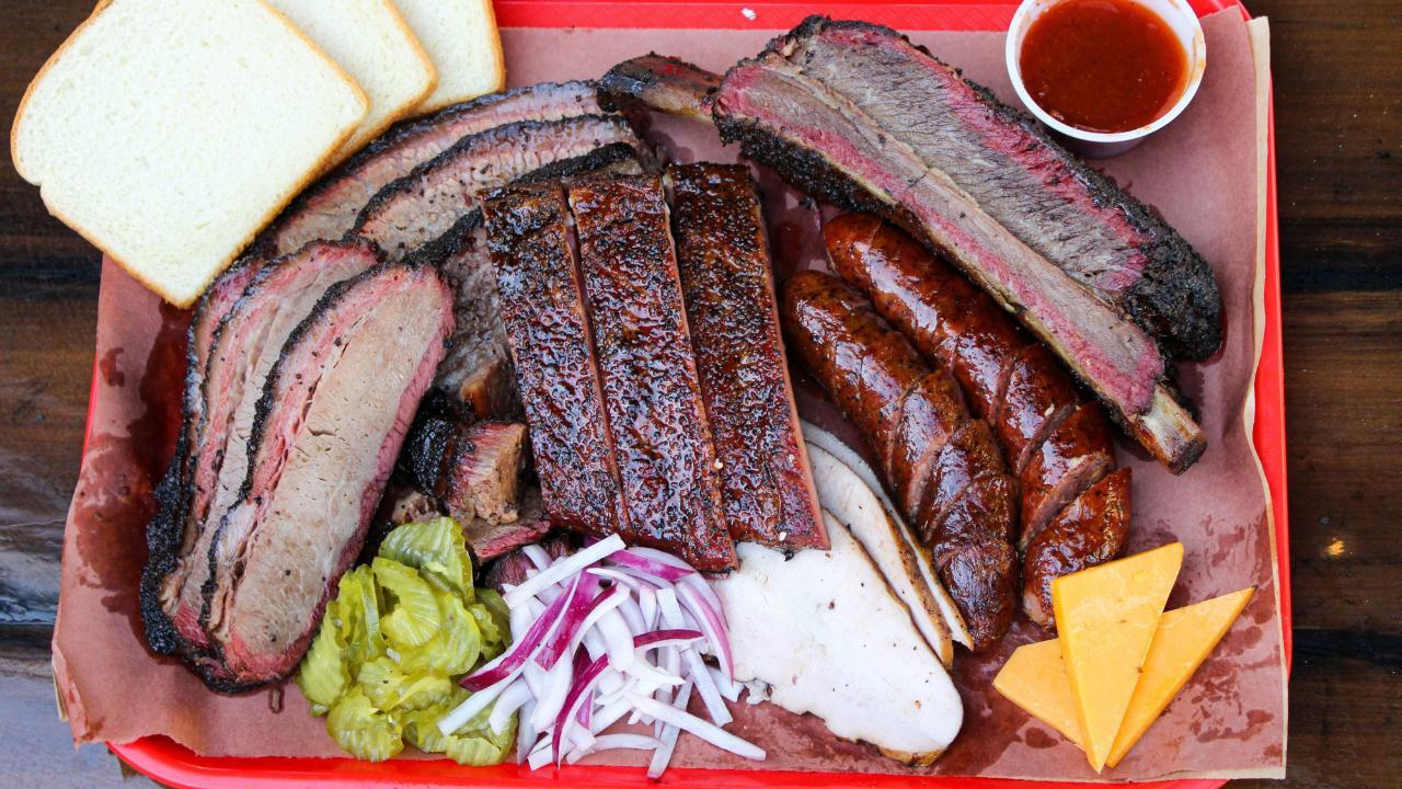 Check Out The Best BBQ Joints In Texas