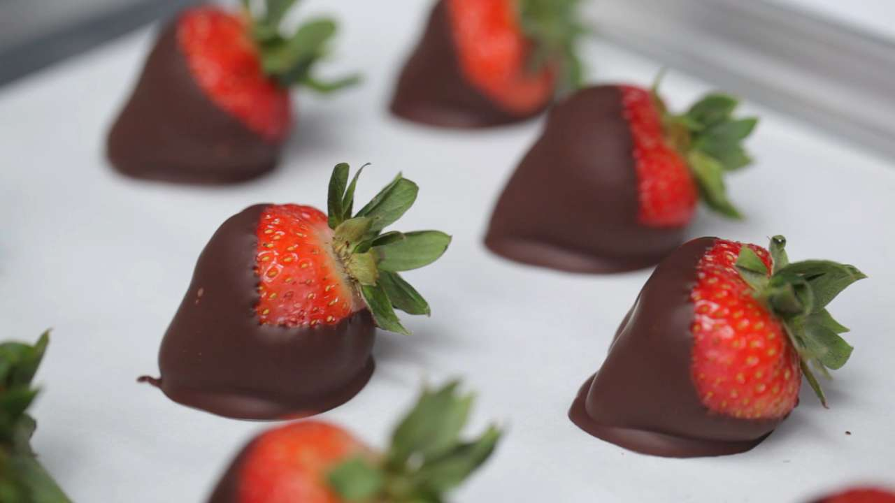 Perfect Chocolate Covered Strawberries