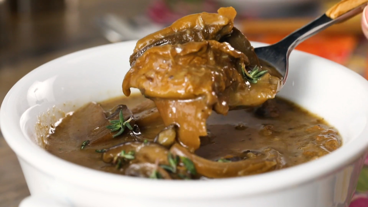Slow-Cooker Mushroom Soup with Sherry
