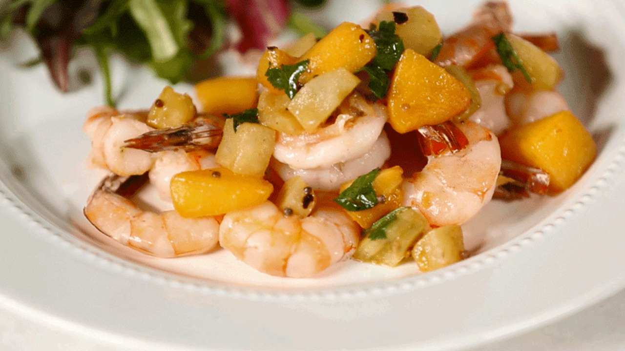 One-Pan Dinner: Seared Shrimp with Peach Chutney