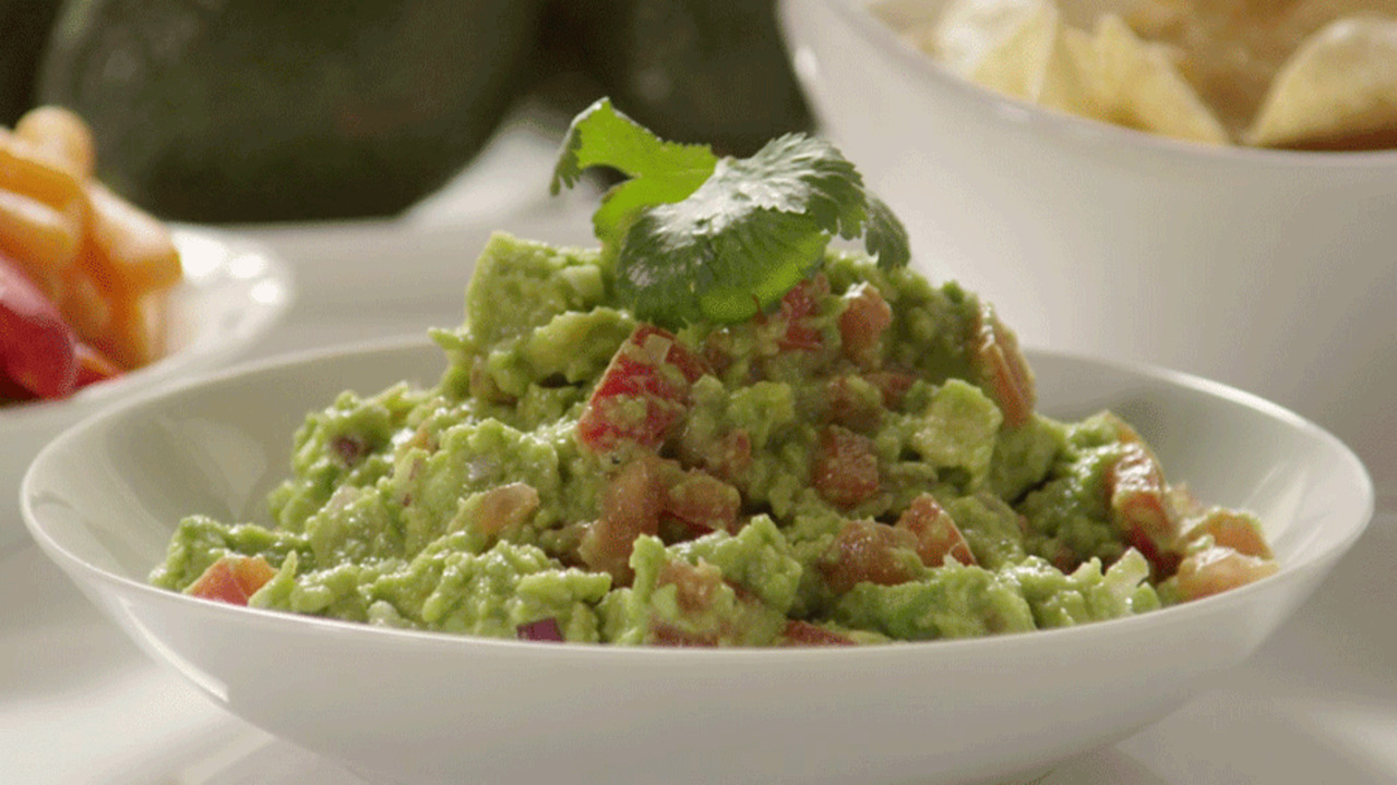 Easy Tips for Party-Perfect Guacamole