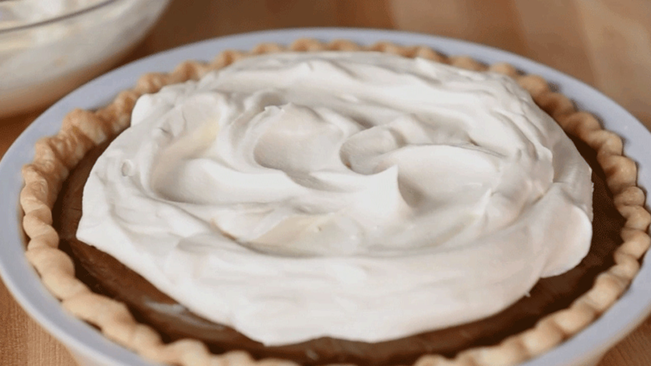 See How to Make Chocolate Pie