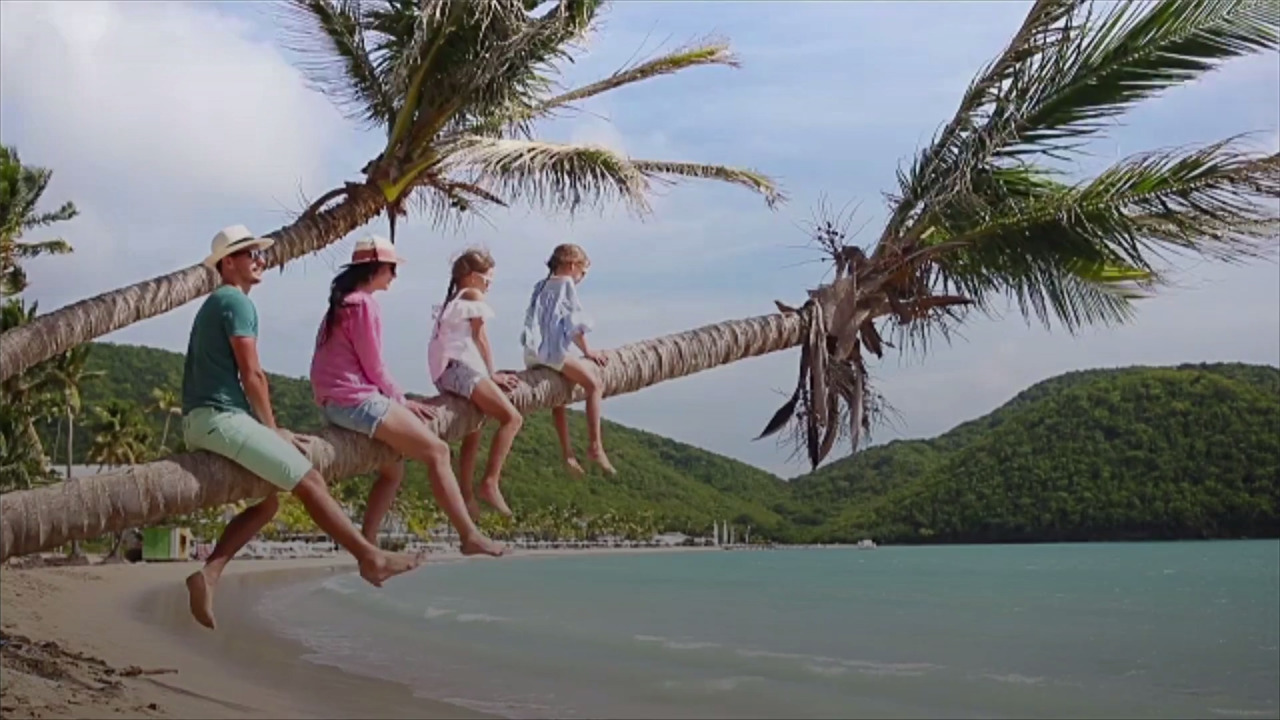 Should Kids' Slipping Grades Threaten a Family Vacation? This Redditor Wants to Know