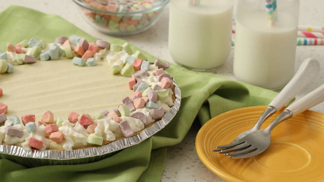 Marshmallow Charms Pudding Pie