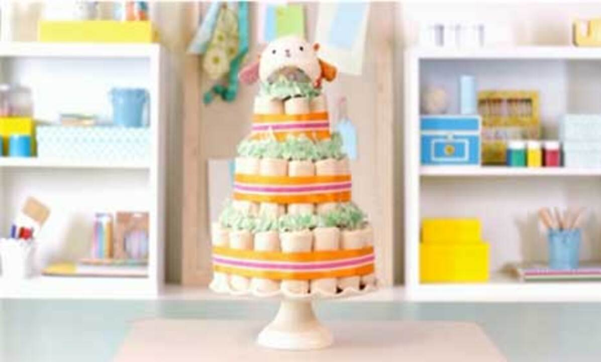Baby Shower Ideas: How To Make A Diaper Cake