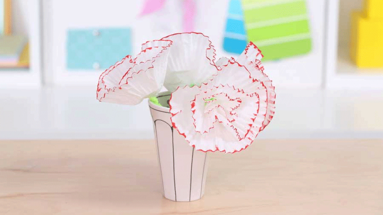Mother's Day Paper Crafts: Cupcake Carnations