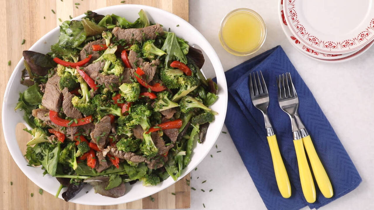 Whole 30: Hot Beef and Broccoli Salad