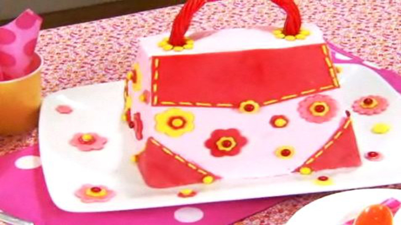 Glam It Up Purse Cake - Part One