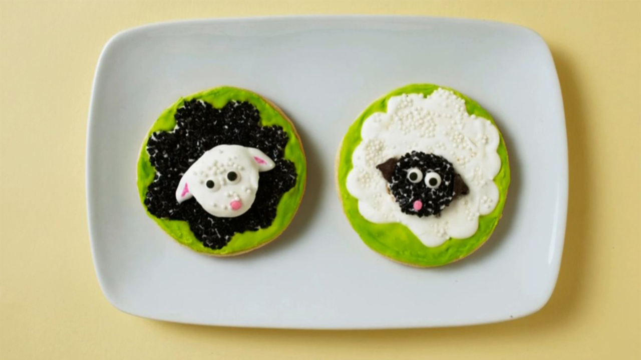 Baby Shower Ideas: How To Make Baa, Baa Black Sheep And Mary Had A Little Lamb Cookies