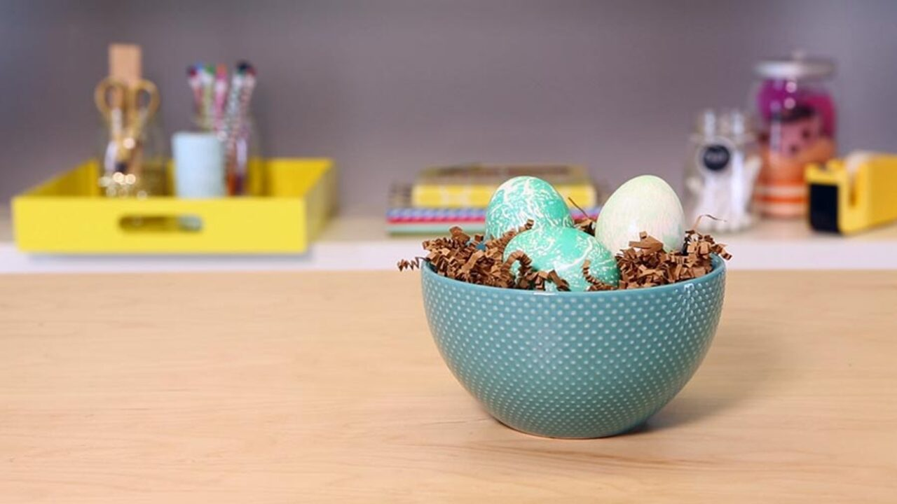Quick and Easy Easter Eggs: Marble
