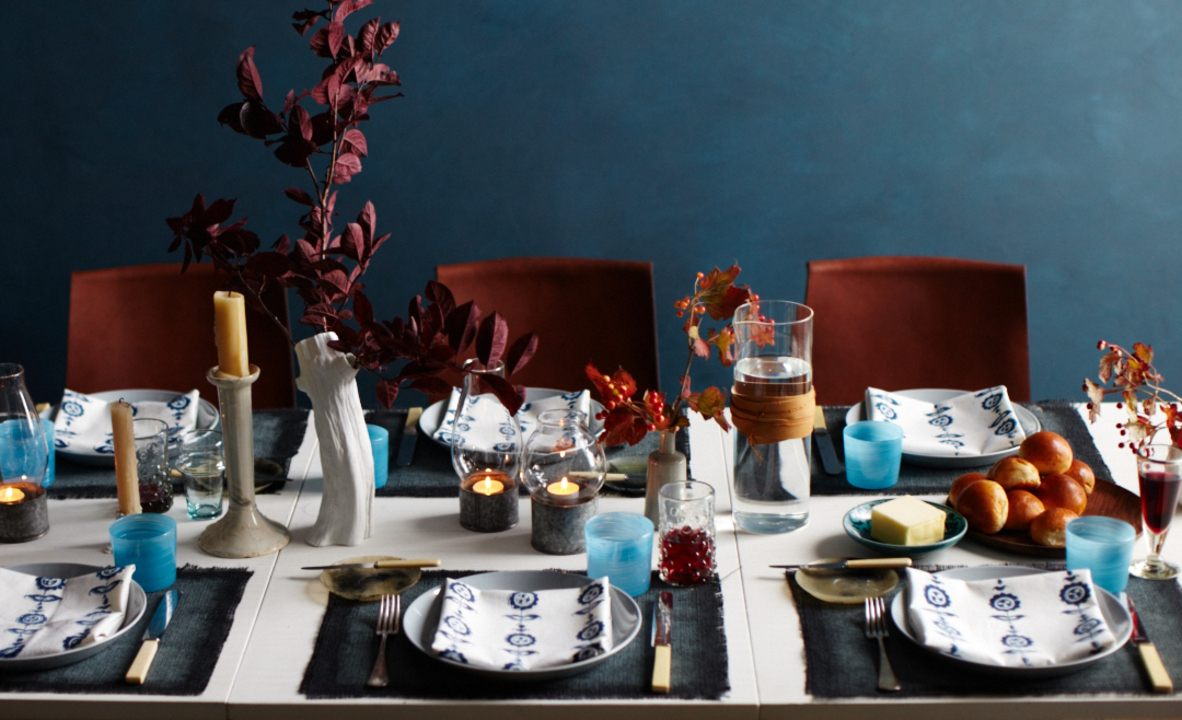 Which Flowers Work Best for Thanksgiving Centerpieces?