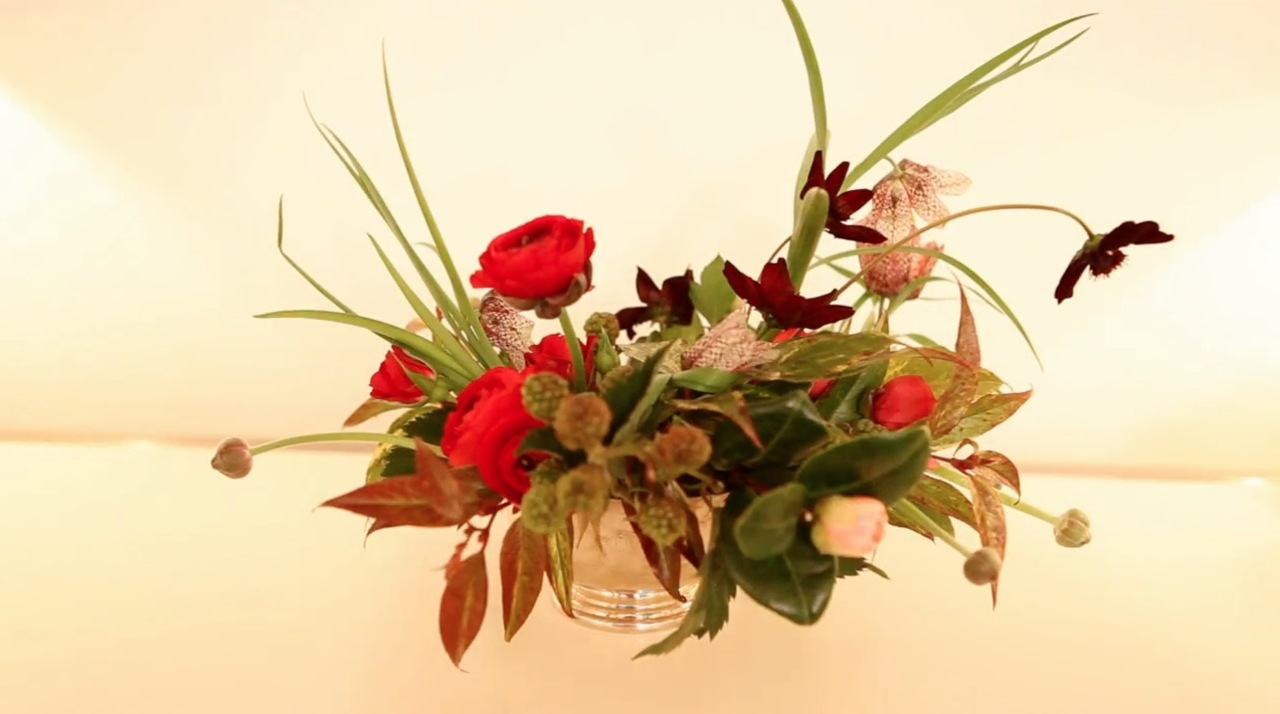 How to Create a Beautiful Valentine's Day Floral Arrangement