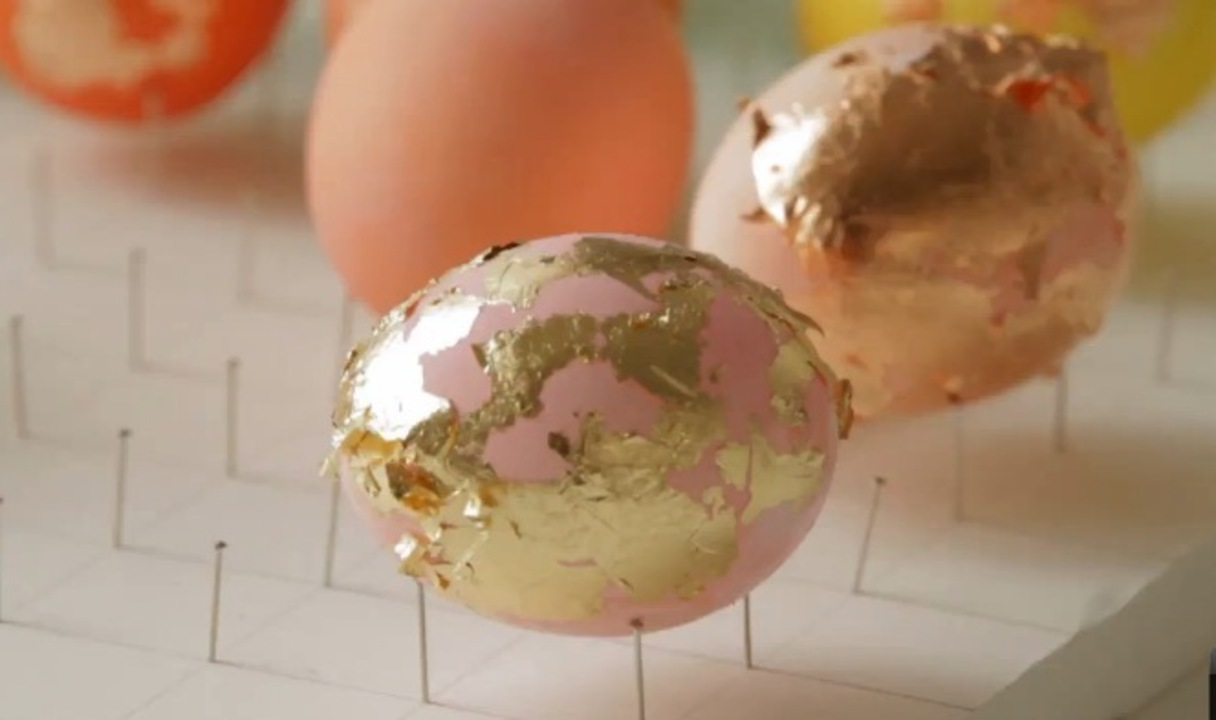 DIY Colorful Foiled Eggs