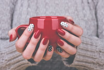 How Wearing Acrylic Nails Helped Me Quit A Bad Habit And