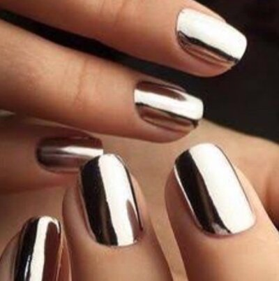 People have lost their GD minds over this mirror nail polish ...