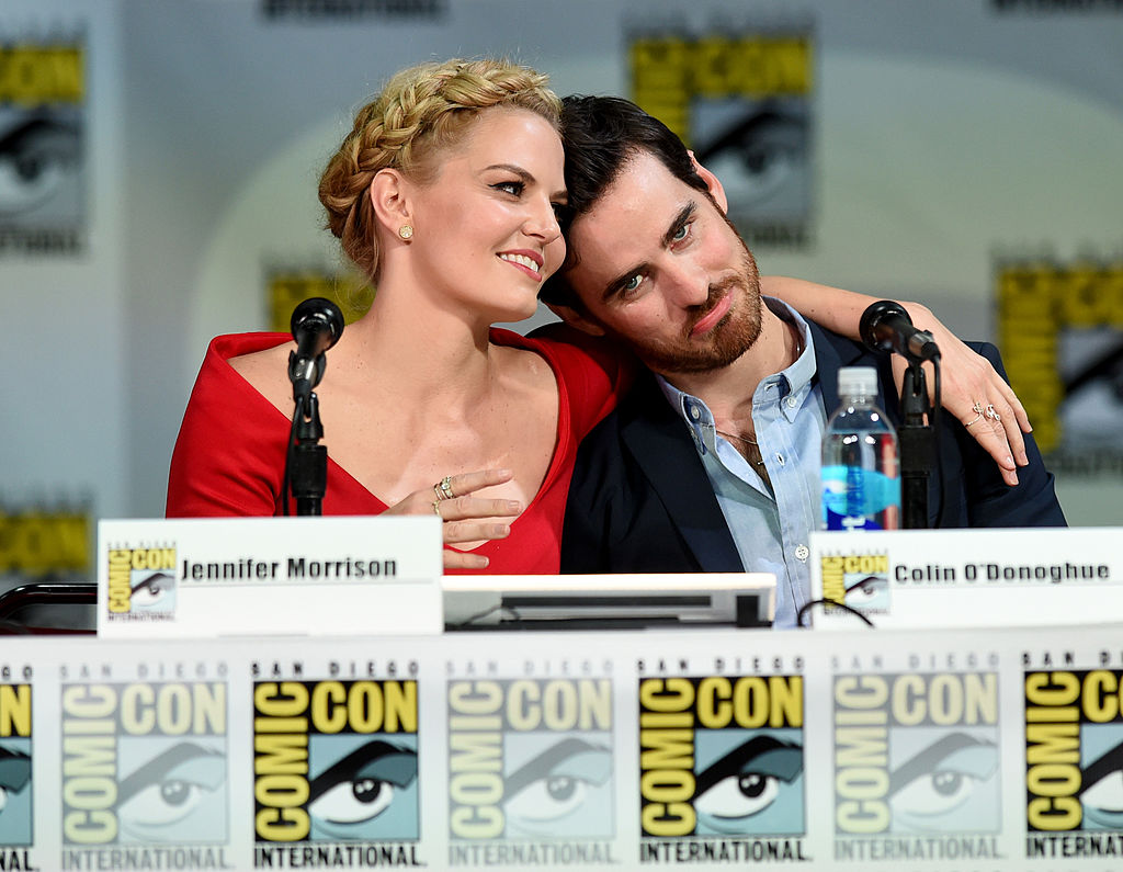 Once Upon A Time S Emma And Hook Have The Most Magical Comic Con