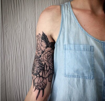 These gorgeous floral tattoos will turn your body into a garden in ...