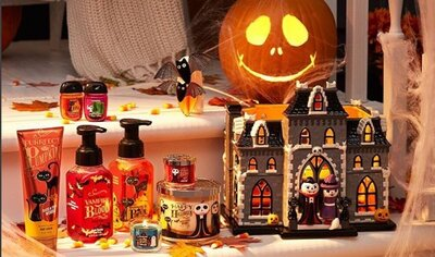 Bath And Body Works New Fall Collection Is A Cute Goth Starter Kit