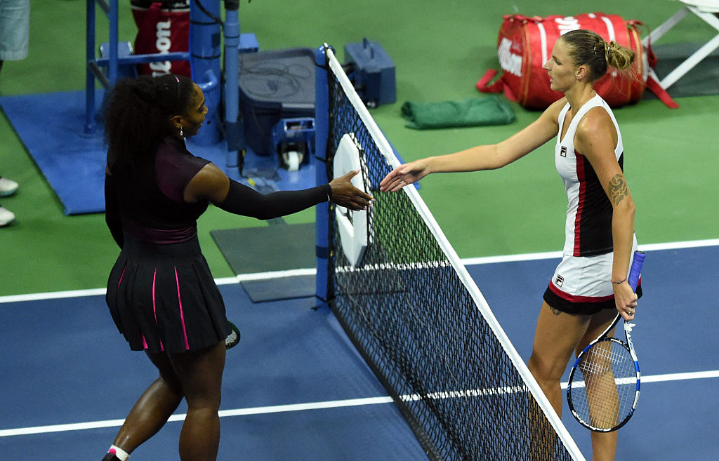 Karolina Pliskova (R) of Czech Republic shakes hands with Serena Williams of the US at the end of their 2016 US Open Womens Singles semifinal match at the USTA Billie Jean King National Tennis Center in New York on September 8, 2016. / AFP / KENA BETANCUR        (Photo credit should read KENA BETANCUR/AFP/Getty Images)