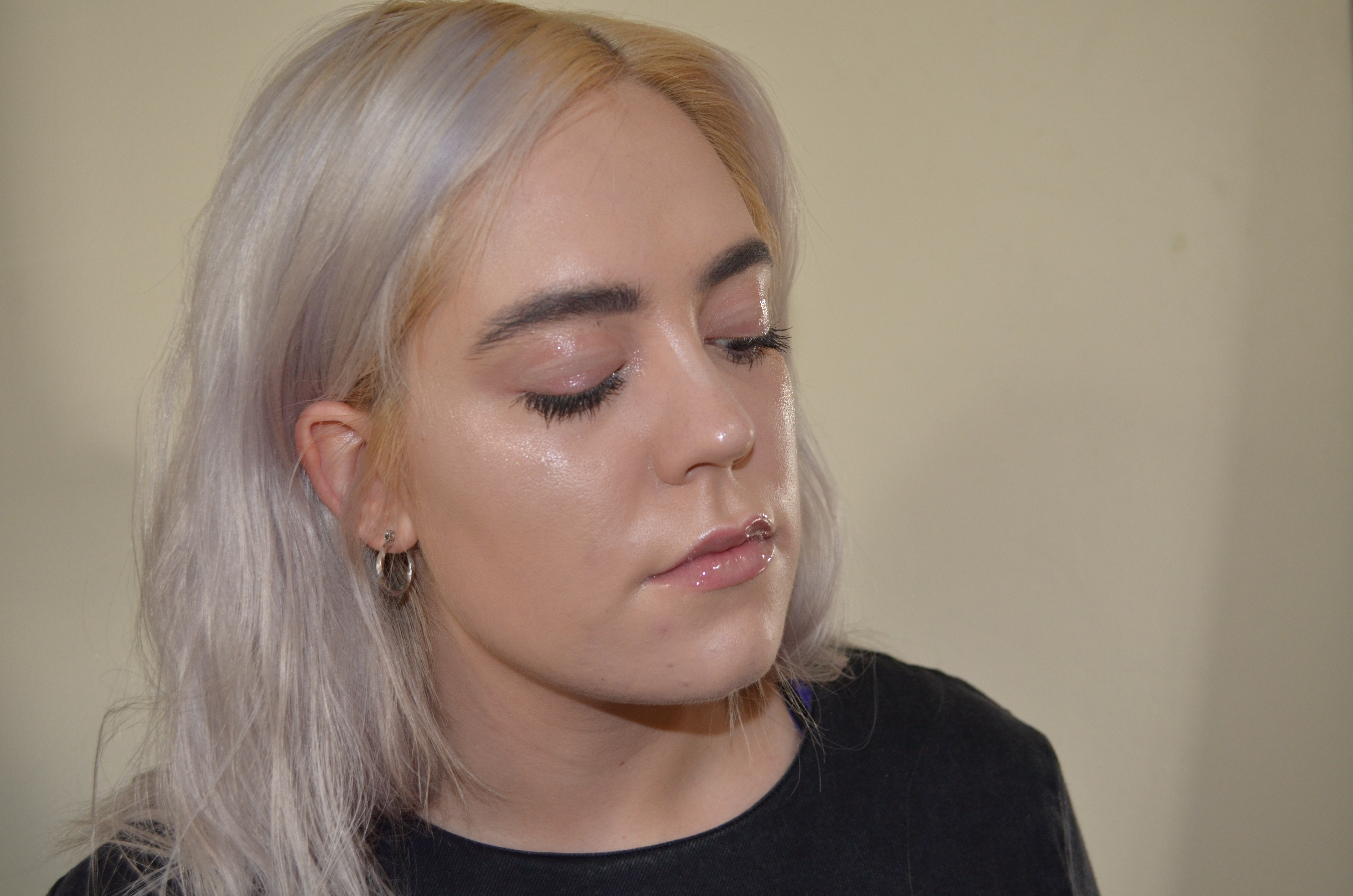 Glossy Face Trend
