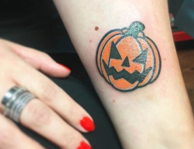 8be4cdab3 11 pumpkin tattoos to show your undying love for all things ...