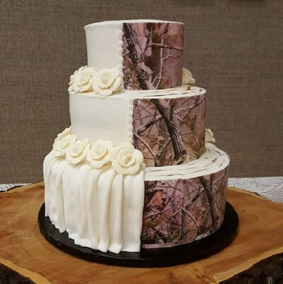Camo Wedding Cakes.Camouflage Wedding Cakes Are Trending And It S Weird But Hey Cake
