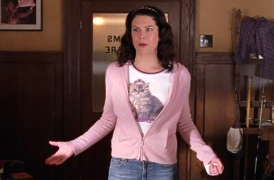6cdcd43cbfd 21 times Gilmore Girls  Lorelai Gilmore was the queen of 2000s fashion