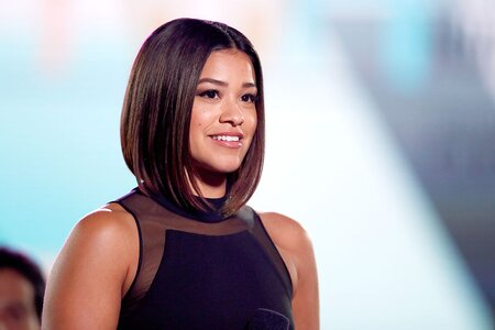 4002f1c7069 Gina Rodriguez keeps wearing black dresses in this one style and we want IN