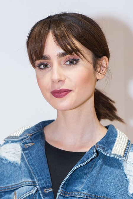 Lily Collins Proves You Can Make An Oversized Jean Jacket Look As