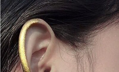 This Minimalist Ear Makeup Is Strangely Beautiful And Artsy Af