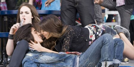 who is the cast of victorious dating