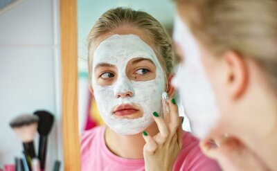 Does baking soda help with acne? We asked actual skin care experts