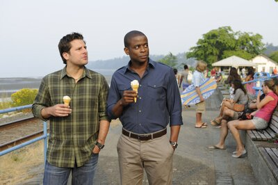 Psych Christmas Episodes.Psych Is Coming Back For One Holiday Episode And Happy