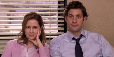 6 signs you should definitely go for it with your coworker
