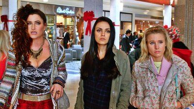 A Bad Moms Christmas Movie.Bad Moms Christmas Is A Movie Your Mom Will Love Hellogiggles