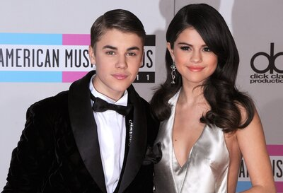 bd7877c385858 12 tweets pleading for Selena Gomez and Justin Bieber to get back together