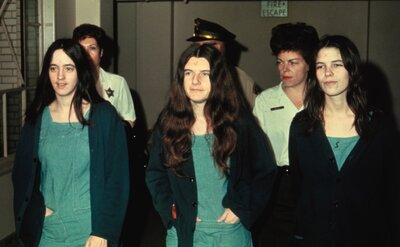 Who were the women who killed for Charles Manson? - HelloGiggles