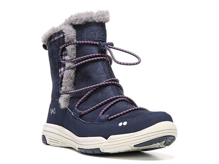 441178927cd5 Cute snow boots  11 styles that will get you through the winter ...