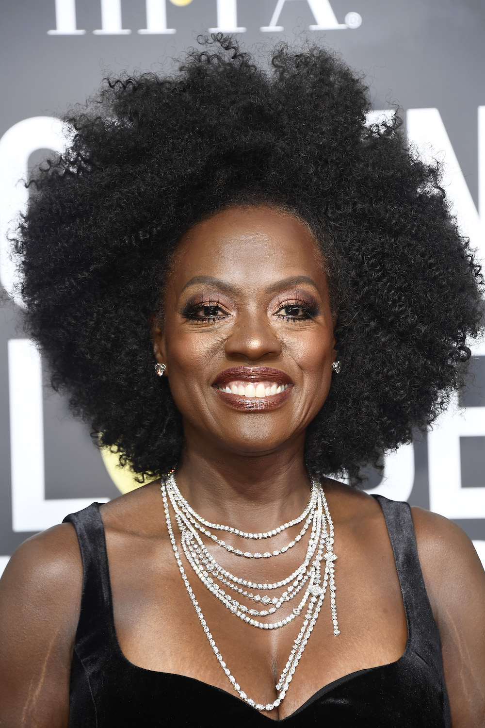 Viola Davis Rocked Her Natural Hair At The 2018 Golden Globes And Twitter Is Loving It
